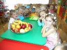 """""""Bądźmy zdrowi"""" czyli sałatki i soki w przedszkolu_1"""